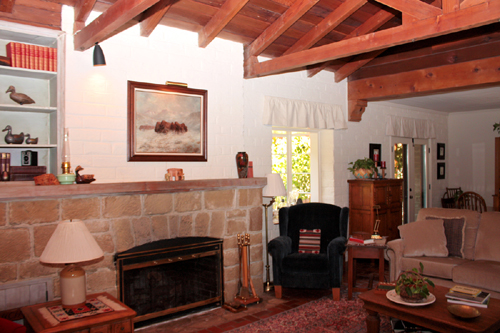 The living room of a 1945 Adobe House on the Martinez Home Tour