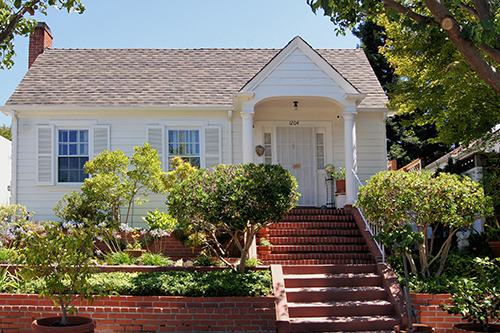 This is a beautiful Colonia Revival Home in the town of Martinez, CA.